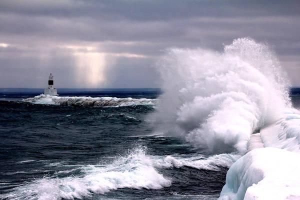 Marquette Photograph - Marquette Michigan Wave by John McGraw