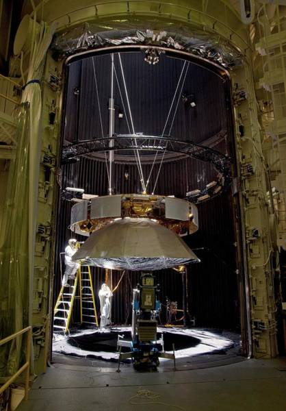 Jet Propulsion Laboratory Photograph - Mars Science Laboratory Cruise Stage by Nasa/jpl-caltech/science Photo Library