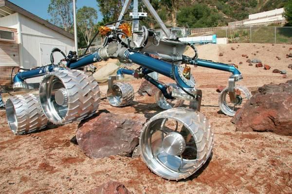 Jet Propulsion Laboratory Photograph - Mars Science Laboratory Testing by Nasa/science Photo Library