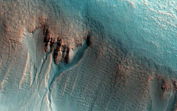 Gully Photograph - Martian Gullies by Nasa/jpl-caltech/univ. Of Arizona