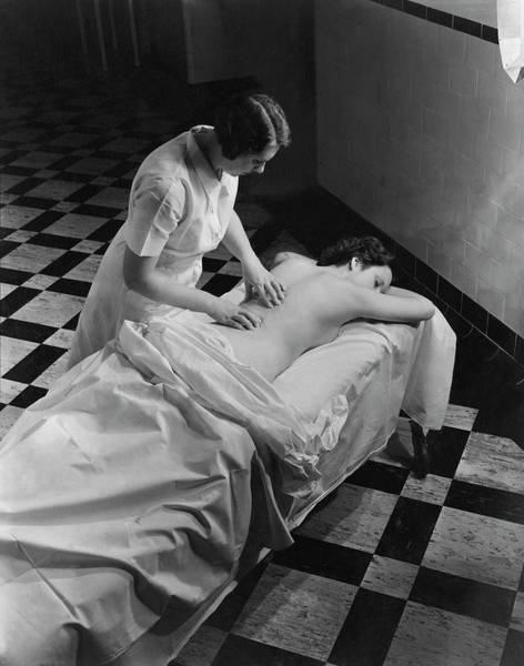 Bed Photograph - Masseuse At Saratoga Spa by Lusha Nelson