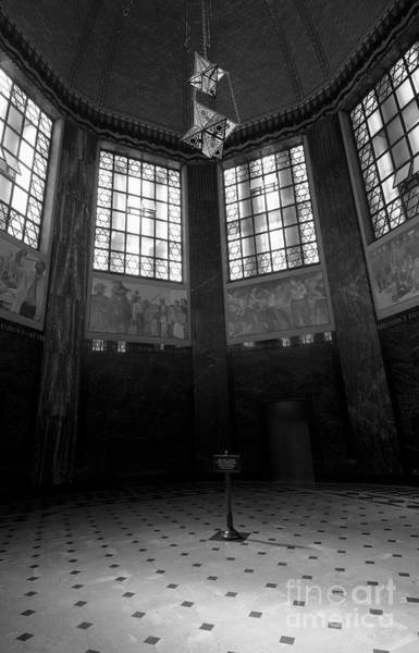 Photograph - Memorial Chamber Of The Nebraska State Capitol Building by Art Whitton