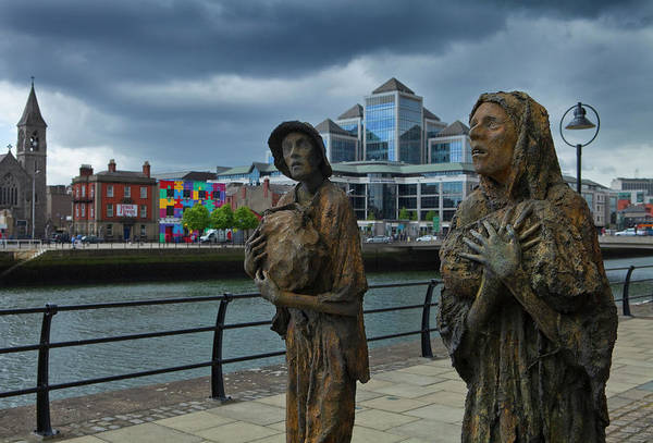 River Liffey Wall Art - Photograph - Memorial To The Famine Victims by Panoramic Images