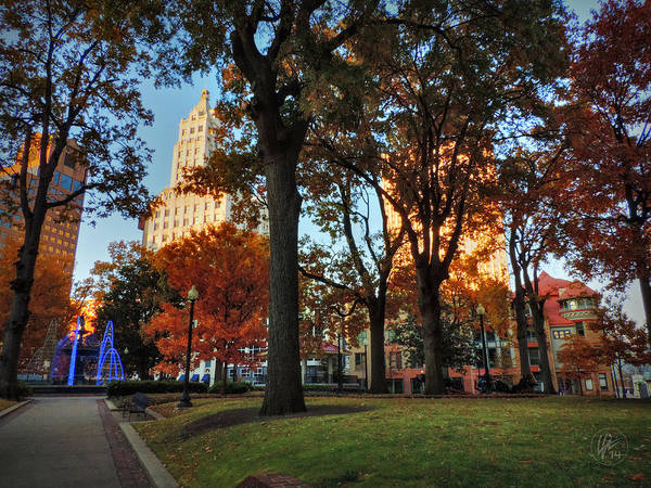 Photograph - Memphis Fall In Court Square 001 by Lance Vaughn