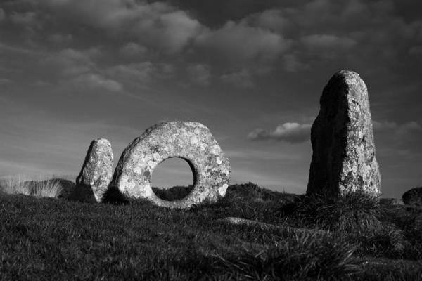 Photograph - Men An Tol Ancient Monument by Tony Mills