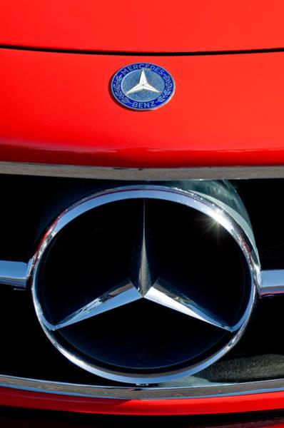 Wall Art - Photograph - Mercedes-benz 300 Sl Grille Emblem by Jill Reger