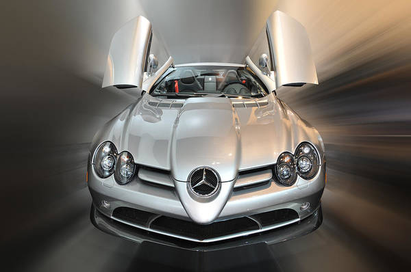 Photograph - Mercedes Slr Mclaren Roadster 722 S by Dragan Kudjerski