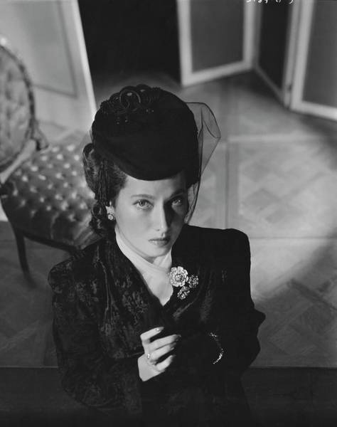 1942 Photograph - Merle Oberon Wearing A Hat by Horst P. Horst