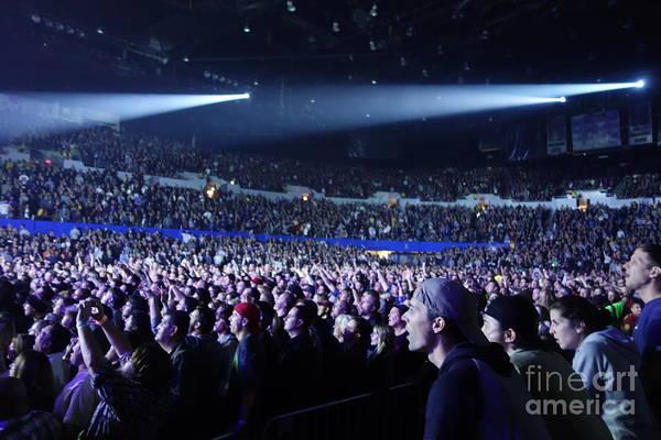 Pearl Jam Photograph - Mesmerized Pearl Jam Crowd by Linda De La Rosa