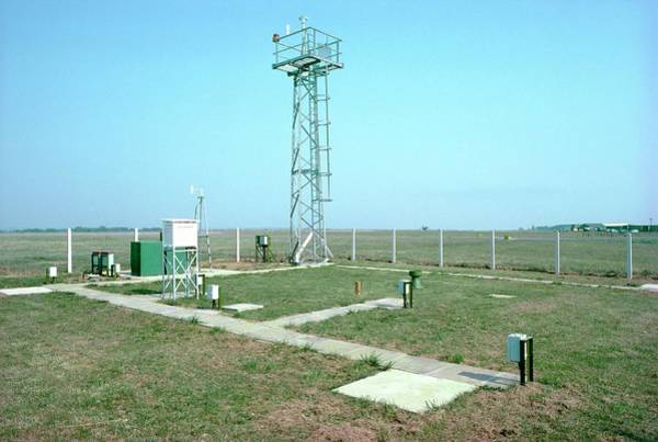 The Weather Photograph - Met Office Weather Station by British Crown Copyright, The Met Office / Science Photo Library