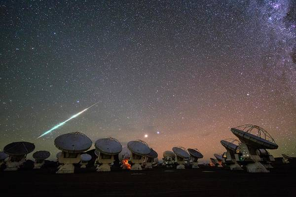 Wall Art - Photograph - Meteor Over Alma Telescopes by Christoph Malin/european Southern Observatory/science Photo Library