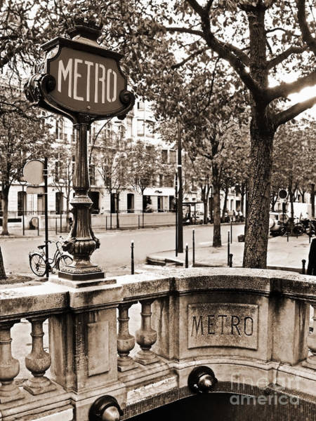 Photograph - Metro Franklin Roosevelt - Paris - Vintage Sign And Streets by Carlos Alkmin