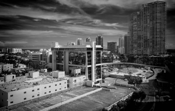 Photograph - Miami Beach-0152bw by Rudy Umans