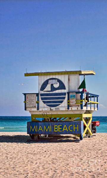 Photograph - Miami Beach Lifeguard Station by Les Palenik