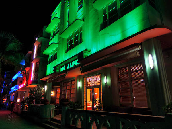 Photograph - Miami - Deco District 005 by Lance Vaughn