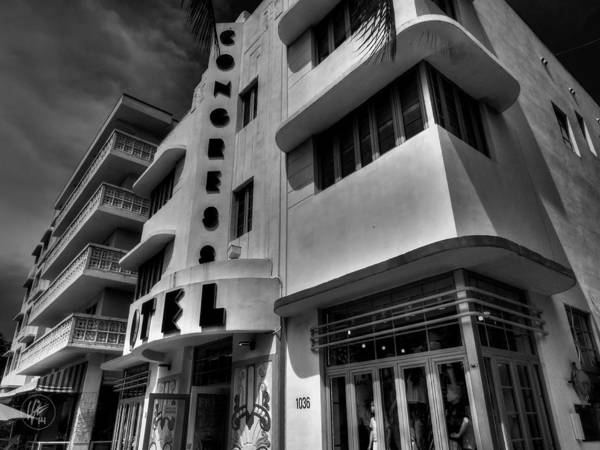 Photograph - Miami - Deco District 010 by Lance Vaughn