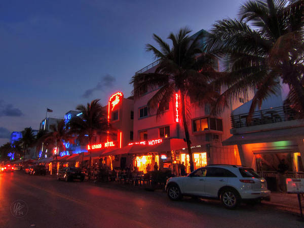 Photograph - Miami - Deco District 015 by Lance Vaughn