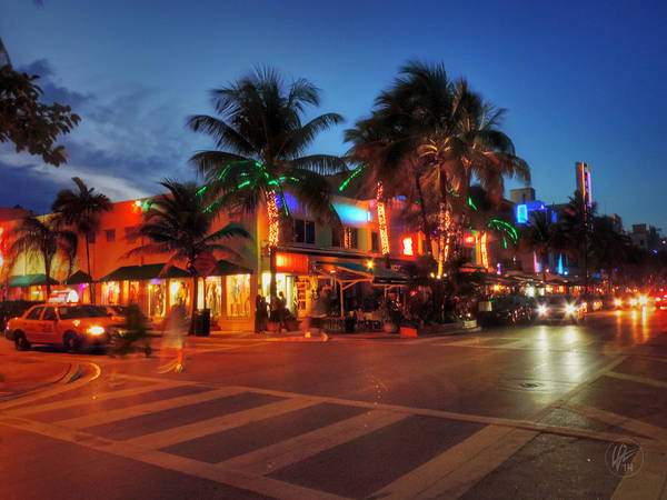 Photograph - Miami - Deco District 016 by Lance Vaughn