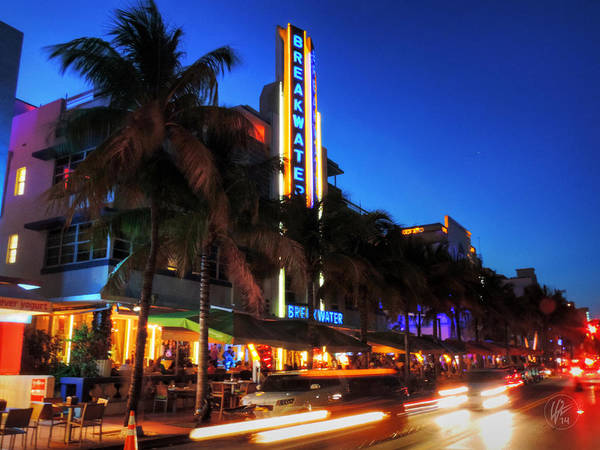 Photograph - Miami - Deco District 017 by Lance Vaughn