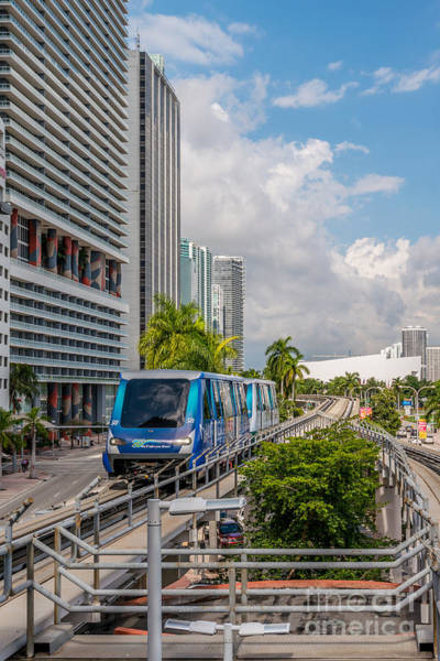 Dade Photograph - Miami Metro Mover Approaching Station by Ian Monk