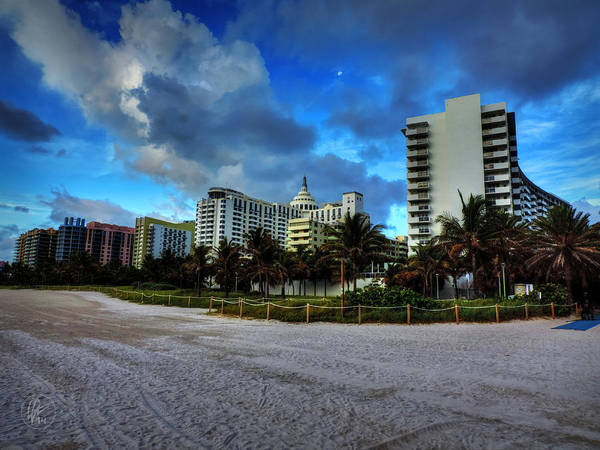Photograph - Miami - South Beach 004 by Lance Vaughn