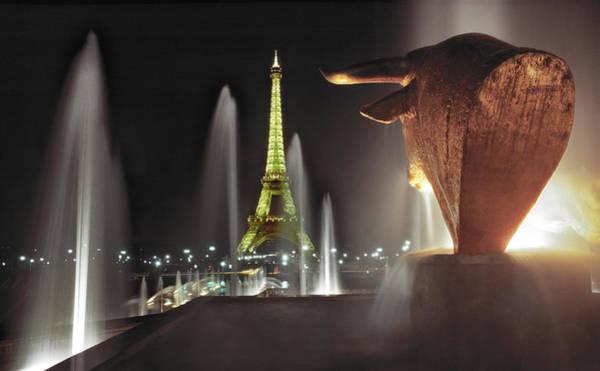 Furon Photograph - Midnight In Paris Trocadero by Daniel Furon