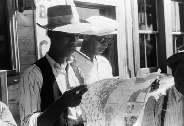 Road Map Photograph - Migrant Workers, 1940 by Granger