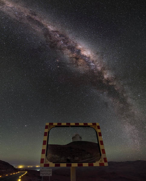 One Way Road Photograph - Milky Way And La Silla Road Mirror by Babak Tafreshi/science Photo Library