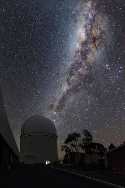 Wall Art - Photograph - Milky Way Over Anglo-australian Telescope by Babak Tafreshi/science Photo Library
