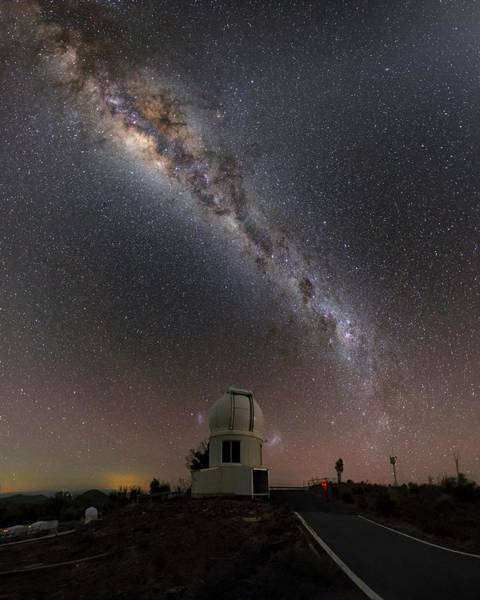 One Way Road Photograph - Milky Way Over Skymapper Telescope by Babak Tafreshi/science Photo Library
