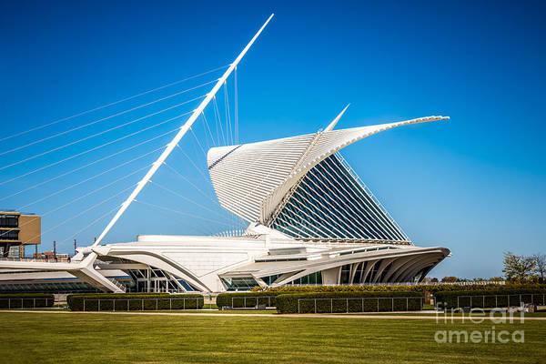 Milwaukee Art Museum Photograph - Milwaukee Art Museum Picture In Milwaukee Wisconsin by Paul Velgos