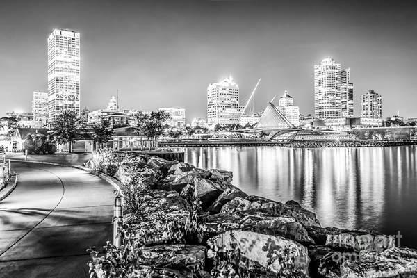 Milwaukee Art Museum Photograph - Milwaukee Skyline At Night Black And White Photo by Paul Velgos