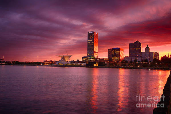 Mke Photograph - Milwaukee Sunset by Andrew Slater