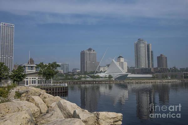 Milwaukee Art Museum Photograph - Milwaukee Wisconsin by David Haskett II
