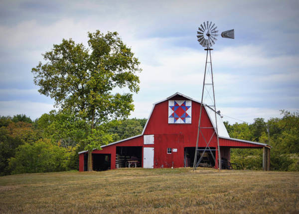 Mo Photograph - Missouri Star Quilt Barn by Cricket Hackmann