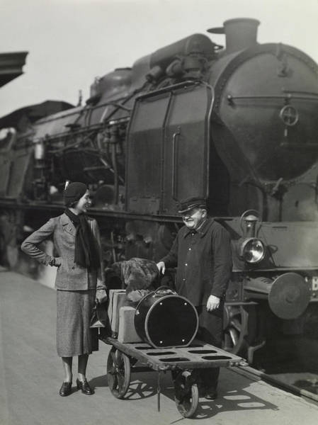 Train Photograph - Mme Pierre Champin In Louiseboulanger At The Gare by George Hoyningen-Huene