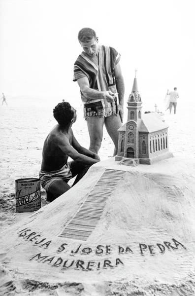 Rio De Janeiro Photograph - Model By Sand Sculpture by Richard Waite