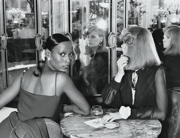 1972 Photograph - Models In The Plaza Hotel by Kourken Pakchanian