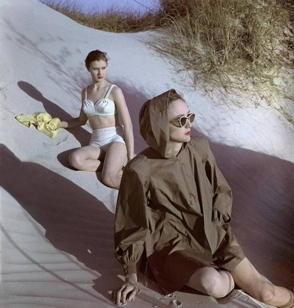 Eyewear Photograph - Models On Sand Dunes by Luis Lemus
