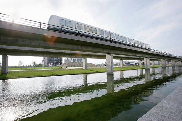 Wall Art - Photograph - Monorail Train by Gustoimages/science Photo Library