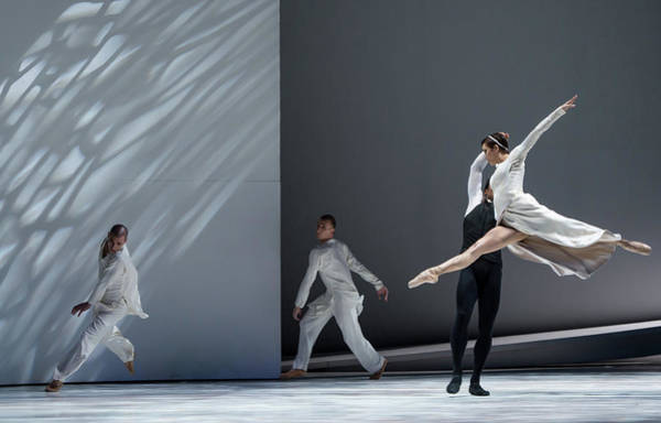 Romeo And Juliet Wall Art - Photograph - Monte Carlo Ballet - Romeo And Juliette by Ian Gavan