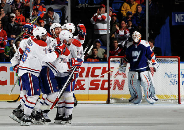 Scoring Photograph - Montreal Canadiens V New York Islanders by Bruce Bennett