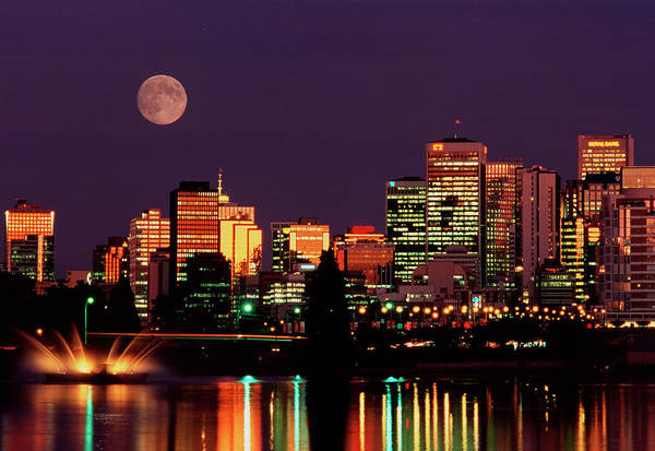 Vancouver City Photograph - Moon Over Vancouver by David Nunuk/science Photo Library