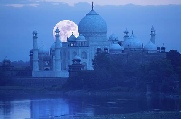 Taj Mahal Photograph - Moonrise At Taj Mahal by Grant Faint