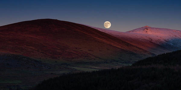 Photograph - Moonrise Carneddau by Peter OReilly
