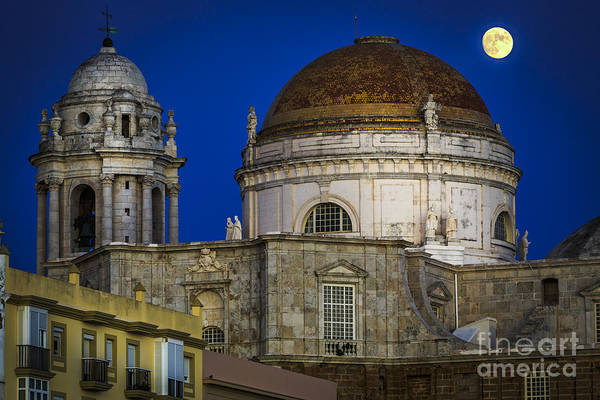 Photograph - Moonrise Over The Holy Cross Cathedral Cadiz Spain by Pablo Avanzini