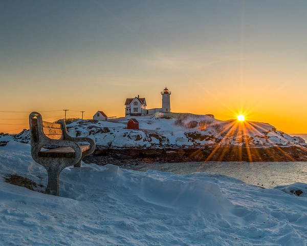 Morning Light At Nubble Lighthouse Art Print