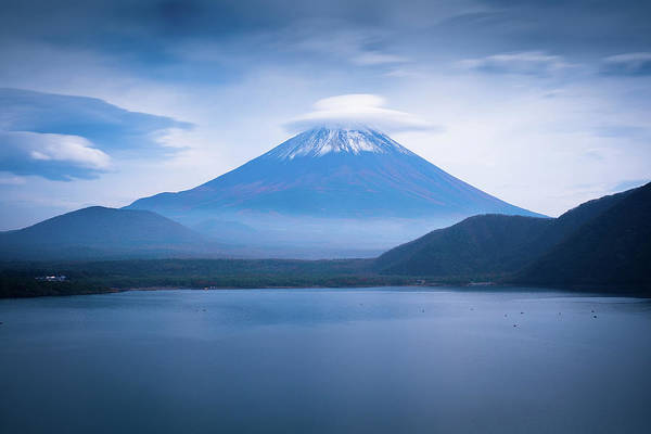 Photograph - Mount Fuji 1000 Yenes View by By Rodrigo Herweg