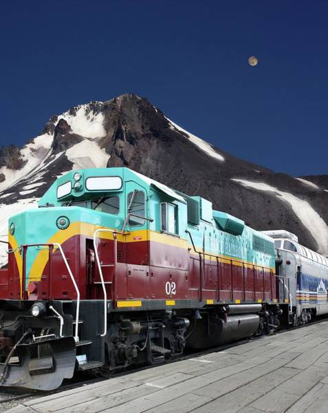 Electric Peak Wall Art - Photograph - Mount Hood Railroad by Tony Craddock/science Photo Library