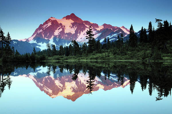 Alpenglow Photograph - Mount Shuksan Reflected In Picture by Michel Hersen